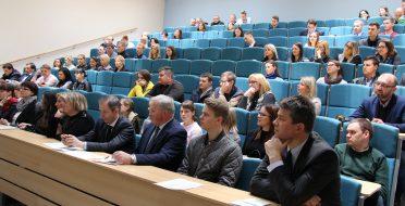"""Studentų mokslinė konferencija """"Jaunasis mokslininkas 2017"""" –  puiki jaunojo mokslininko tyrėjo patirtis"""